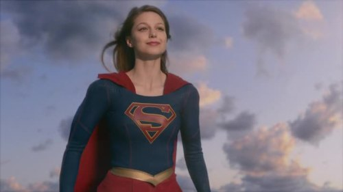 Supergirls01e010223